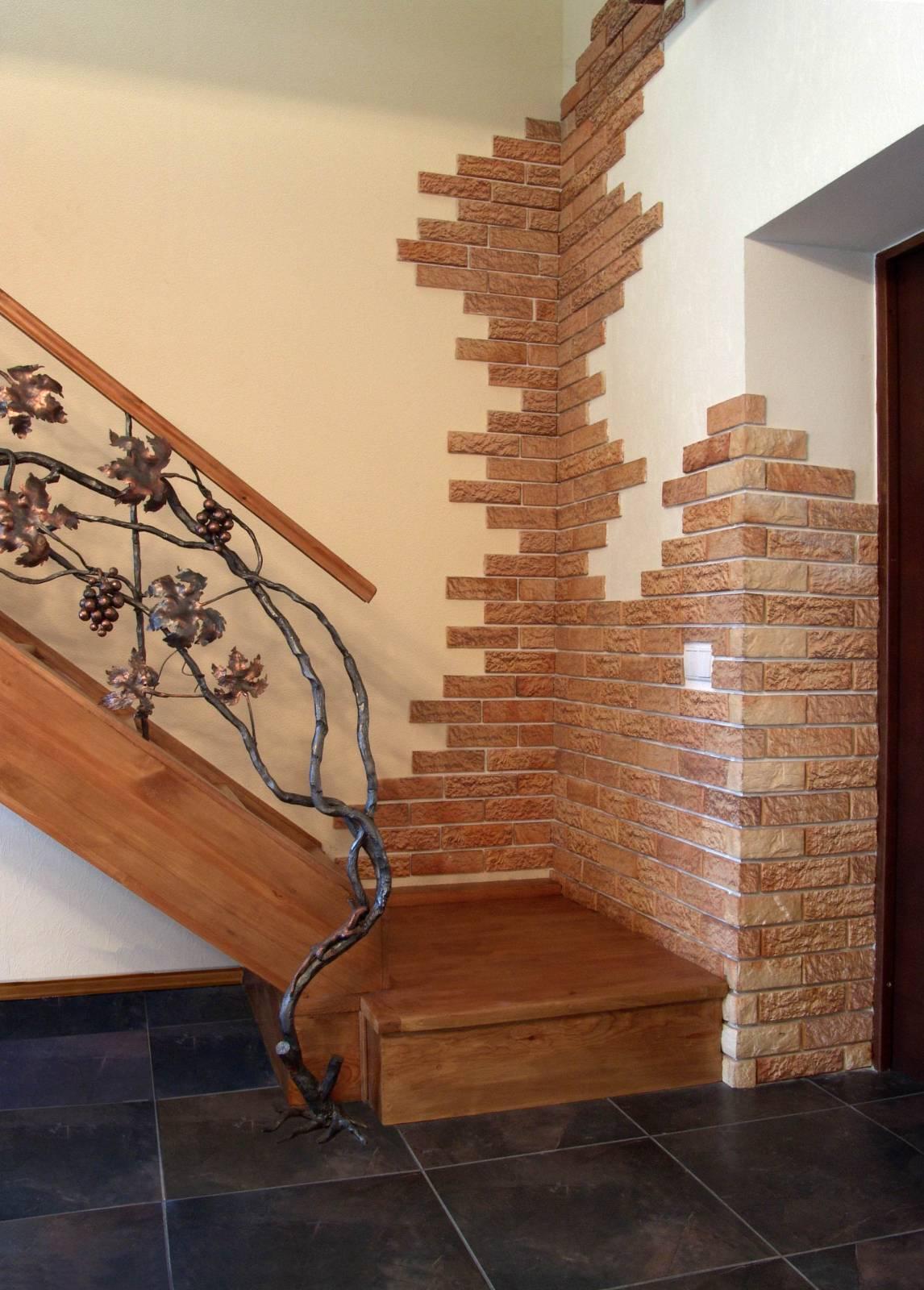 отделка коридора декоративным камнем фото. отделка коридора декоративным камнем фото.
